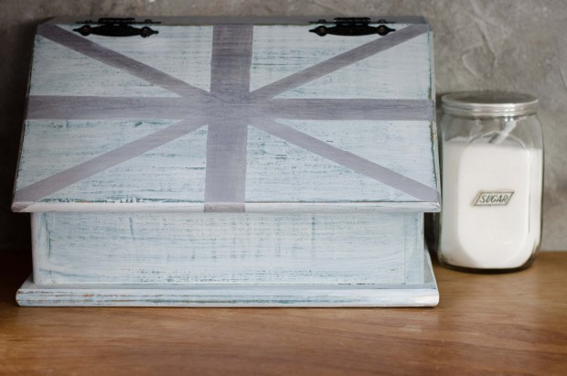 milk paint and metallic break box makeover with a union jack