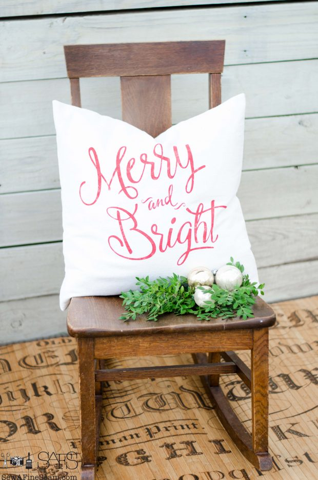 merry-and-bright-red-christmas-pillows-2016