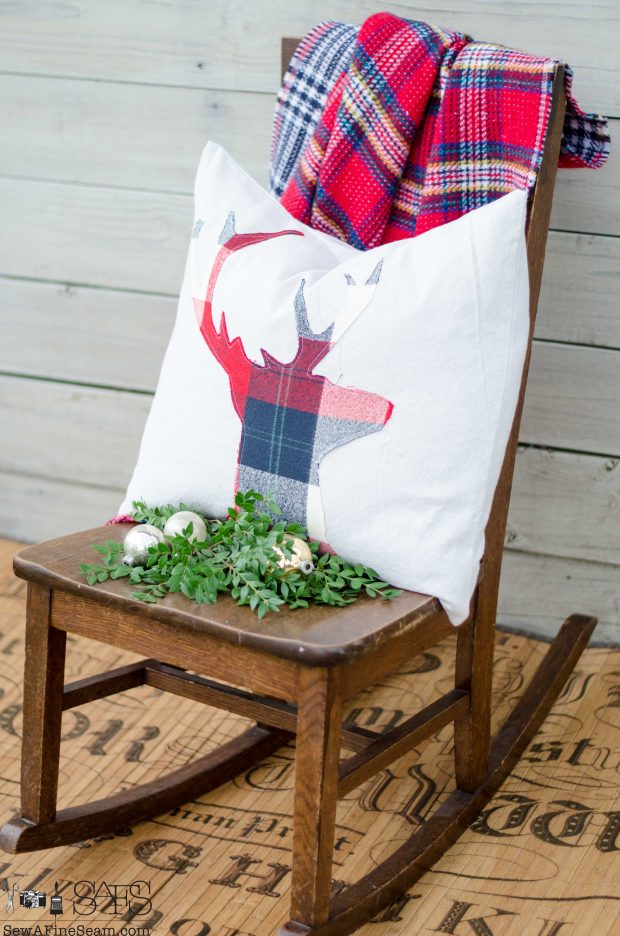 red-white-and-blue-plaid-deer-head-christmas-pillows-2016