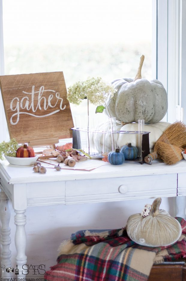 thanksgiving-vignette-with-real-and-handmade-elements