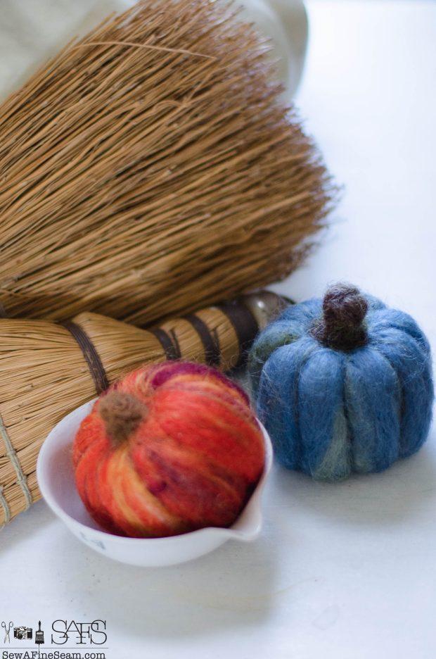 thanksgiving-vignette-wool-felt-pumpkins