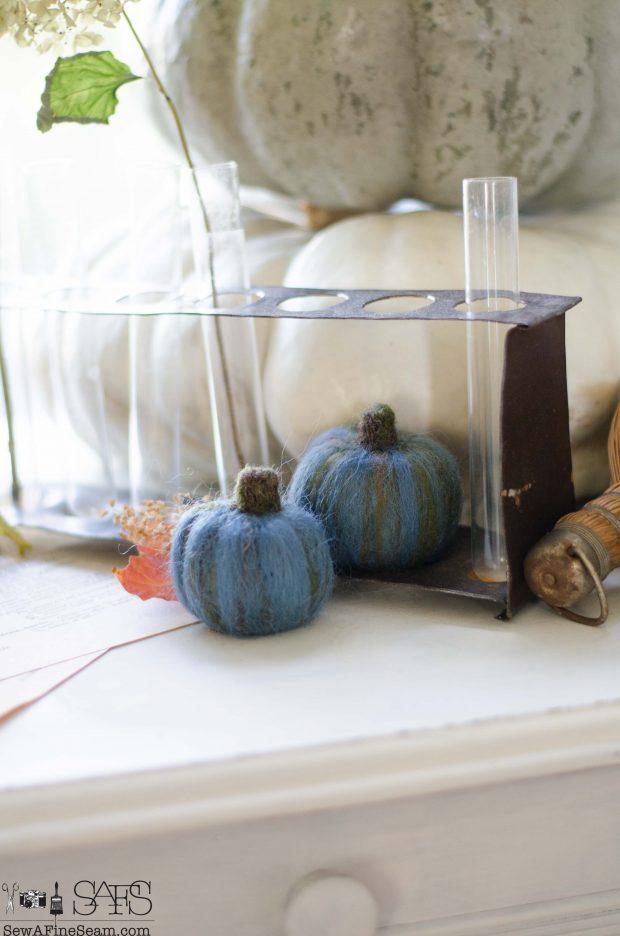 thanksgiving-vignette-wool-felt-pumpkins-in-blue