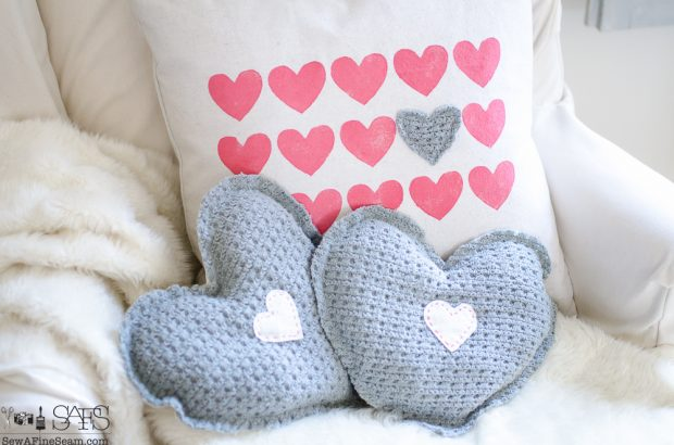 Valentine-sweater-hearts (8 of 11)