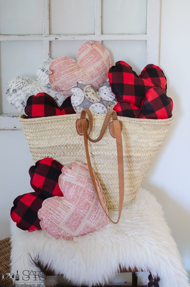 valentine-heart-shaped-pillows-5