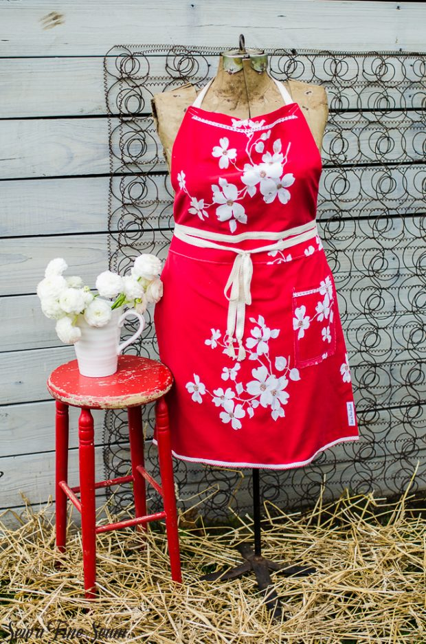 aprons-made-from-vintage-tablecloths-10