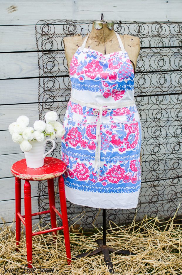 aprons-made-from-vintage-tablecloths-2