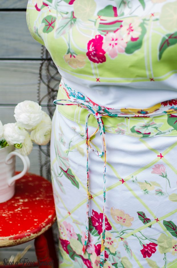 aprons-made-from-vintage-tablecloths-25