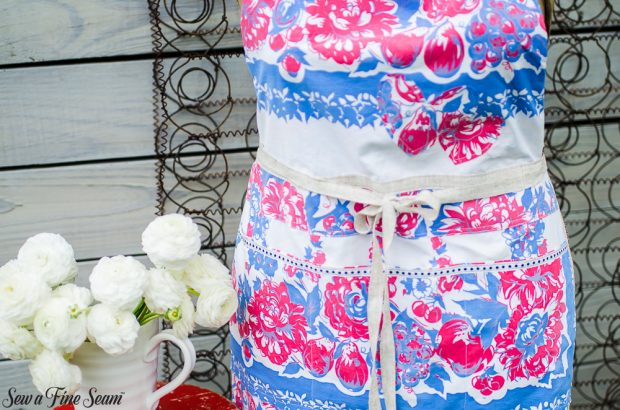 aprons-made-from-vintage-tablecloths-4