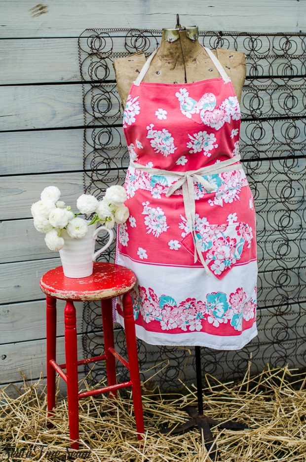 aprons-made-from-vintage-tablecloths-5