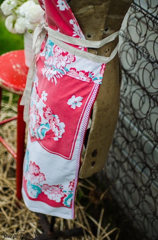 aprons-made-from-vintage-tablecloths-7