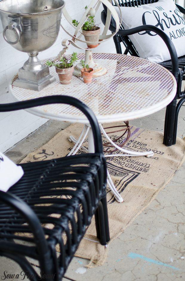 burlap-coffee-sacks-repurposed-cat-bed-and-rug-11