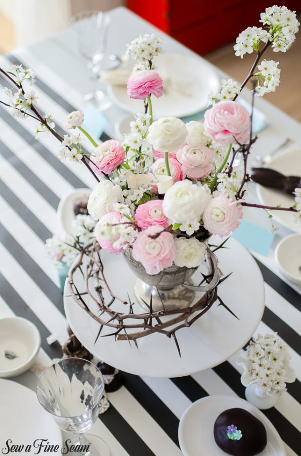 easter-tablescape-with-flowers-and-chocolates-11