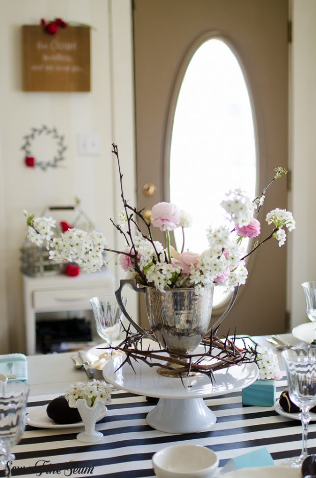 easter-tablescape-with-flowers-and-chocolates-24