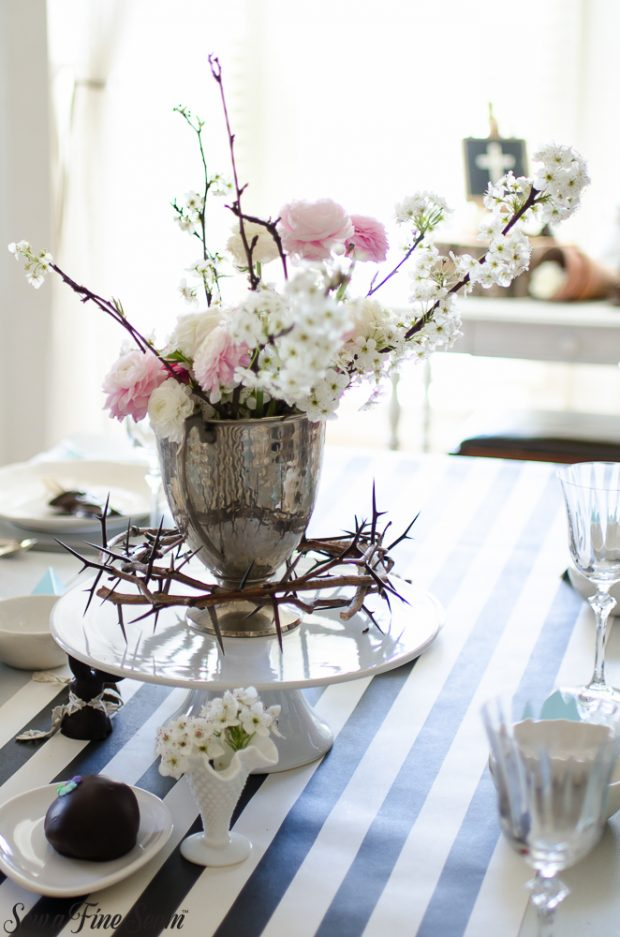 easter-tablescape-with-flowers-and-chocolates-26