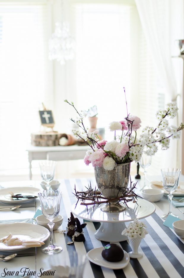 easter-tablescape-with-flowers-and-chocolates-3