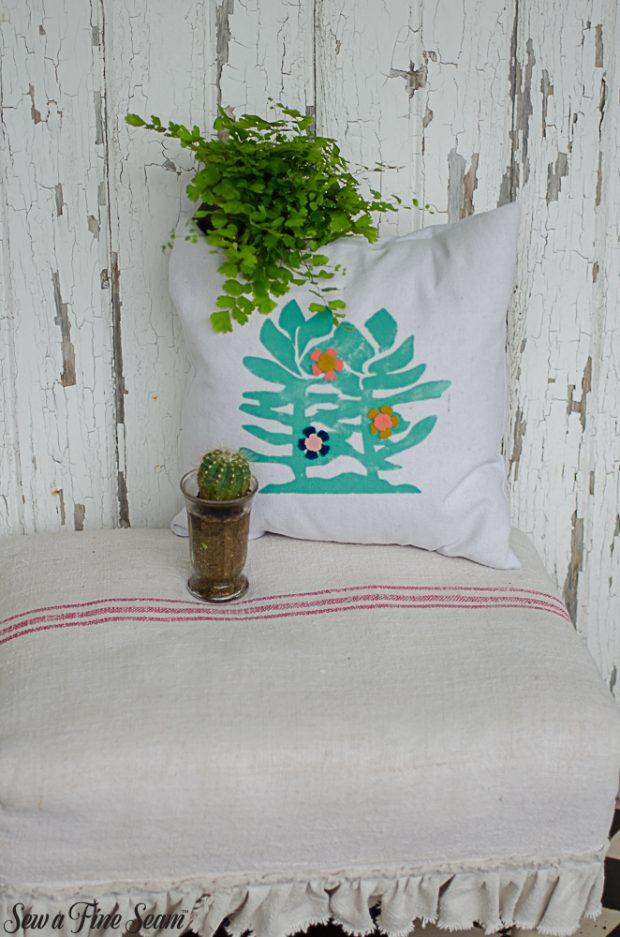 summer-pillows-succulents-13