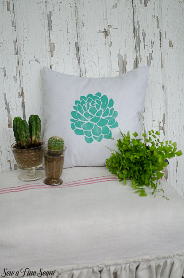 summer-pillows-succulents-3