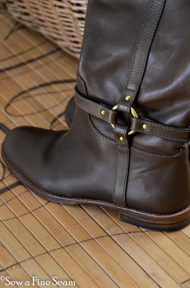 how to add elastic to boots