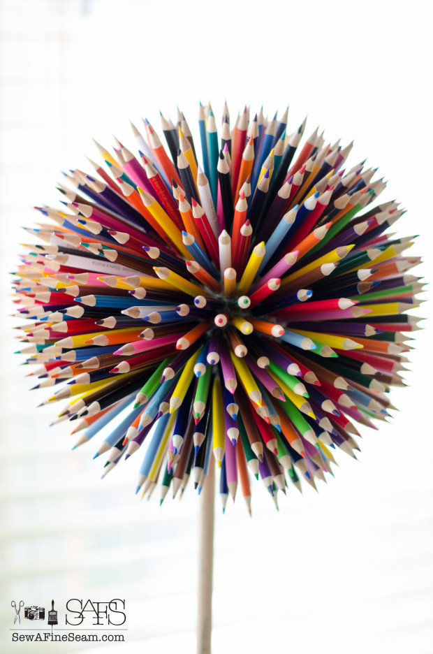 Colored Pencil Craft - flower made of colored pencils and planted in a paint bucket