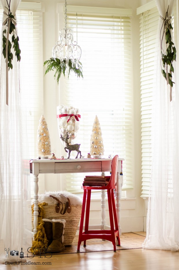 Dining room nook filled with Christmas bling