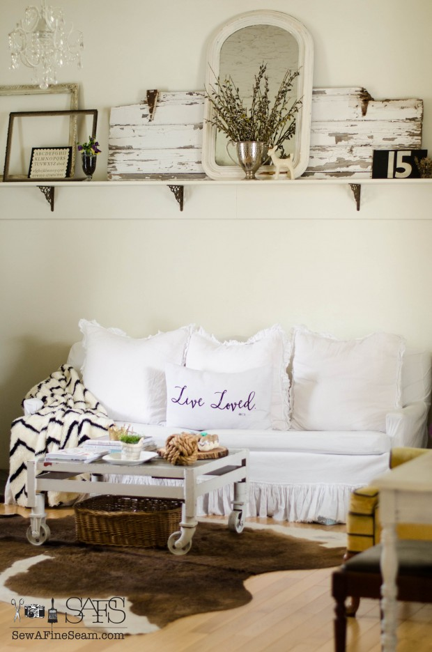 spring farmhouse decor in the living room
