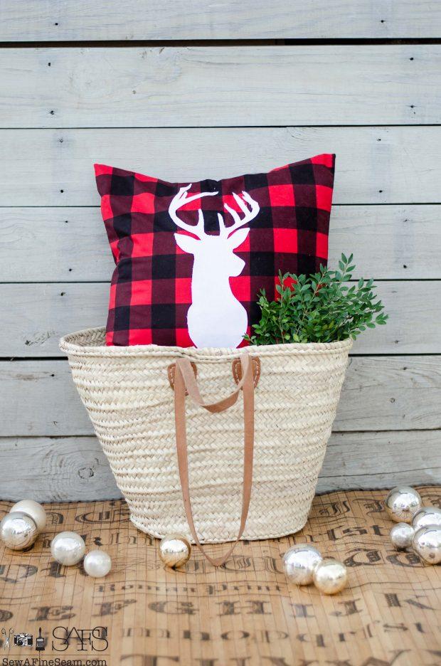 buffalo-plaid-deer-head-christmas-pillows-2016