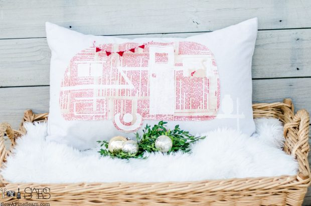 camper-red-christmas-pillows-2016