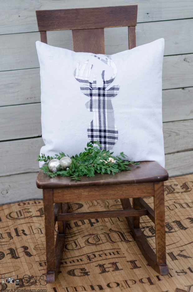 grey-and-white-plaid-deer-head-christmas-pillows-2016