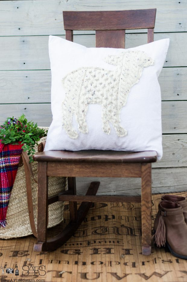 lamb-christmas-pillows-2016