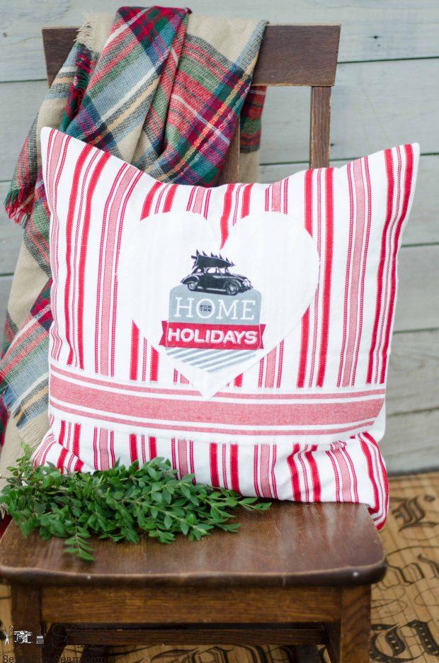 no-place-like-home-christmas-pillows-2016