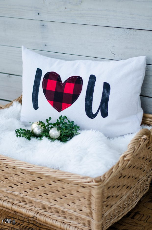 plaid-i-love-you-christmas-pillows-2016