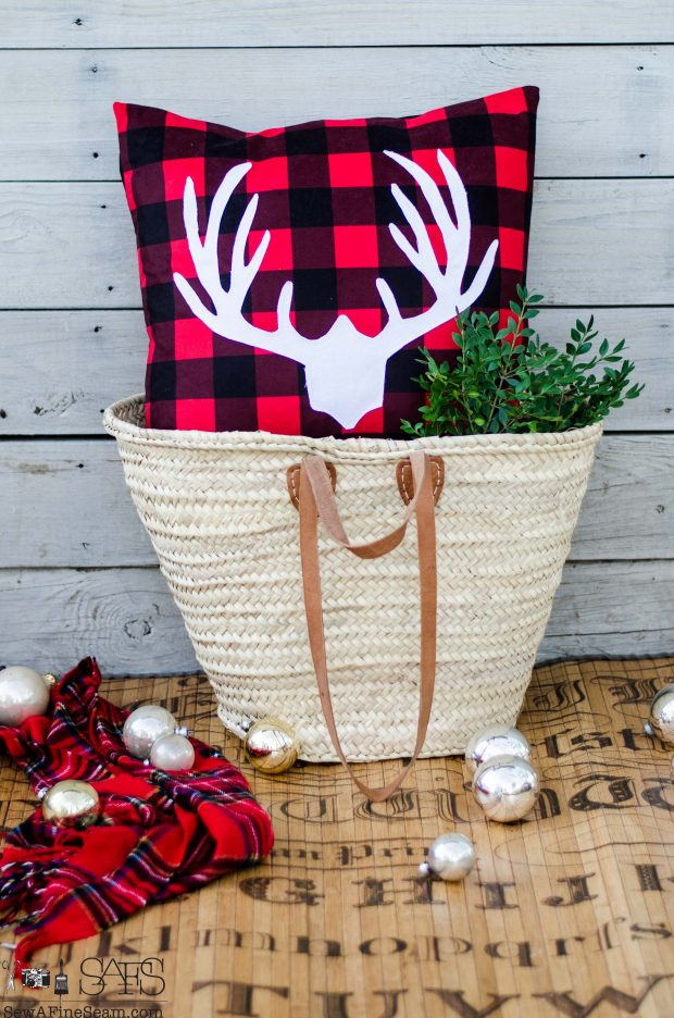 rack-on-red-plaid-christmas-pillows-2016