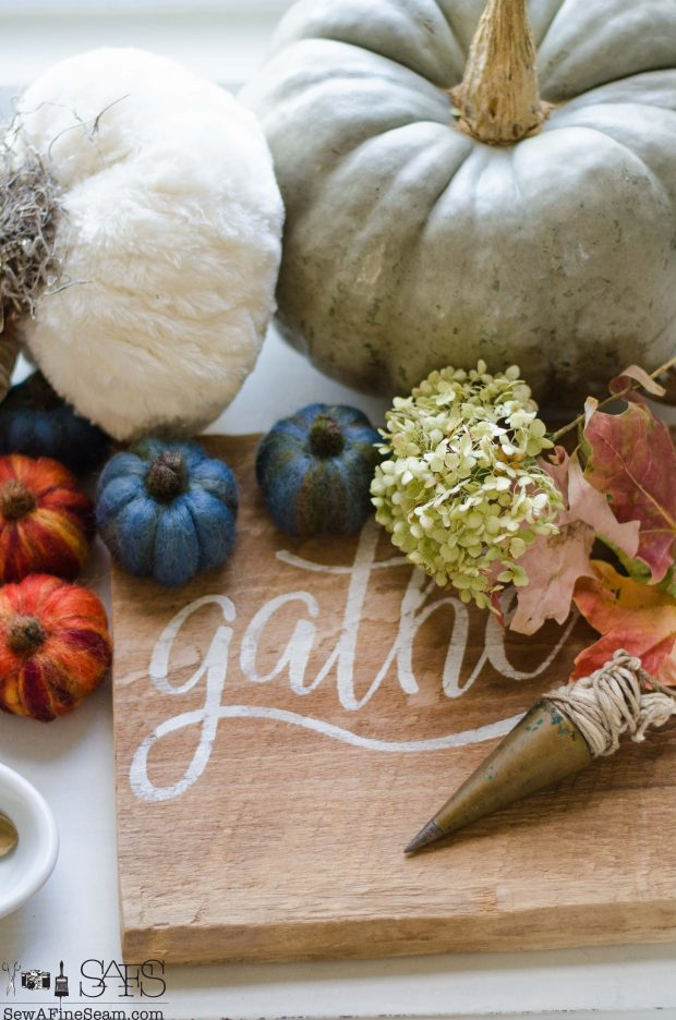 thanksgiving-vignette-mix-of-textures-and-items