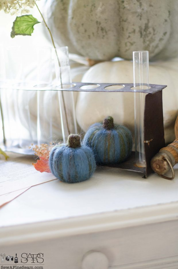 thanksgiving-vignette-wool-felt-pumpkins-in-blue