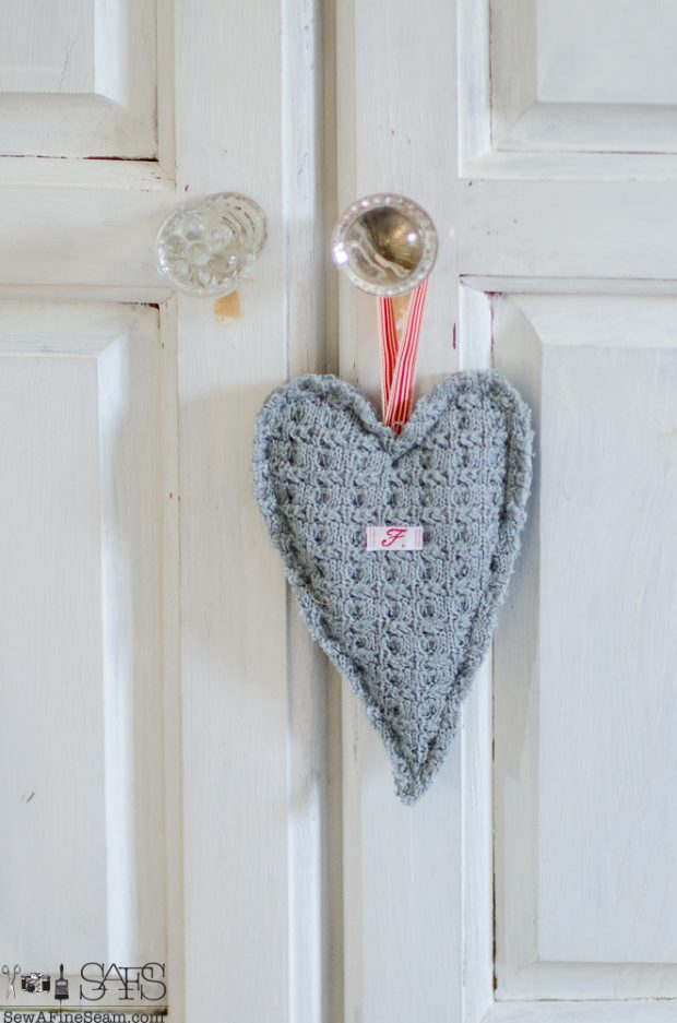 heart-shaped-sweater-sachet-tutorial-8