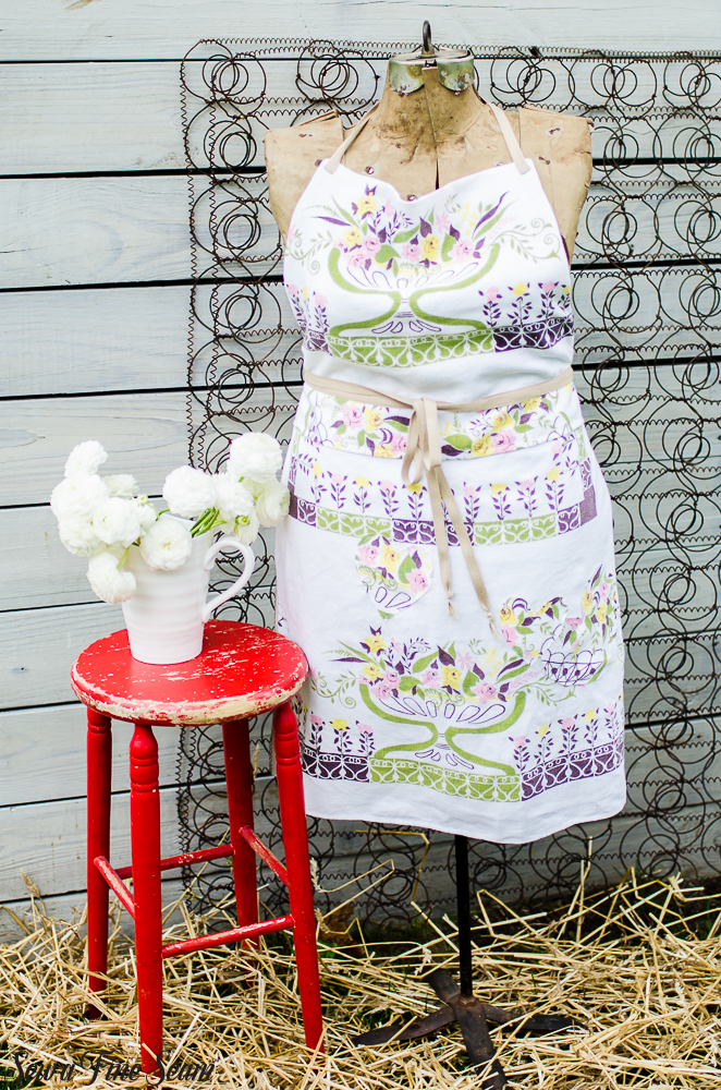 aprons-made-from-vintage-tablecloths-20