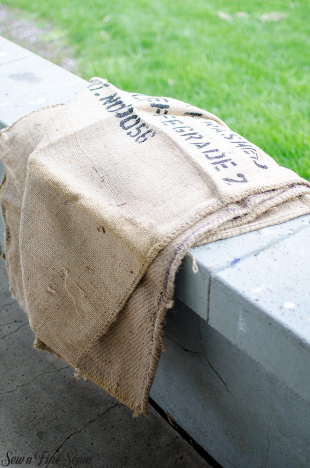 burlap-coffee-sacks-repurposed-cat-bed-and-rug-2
