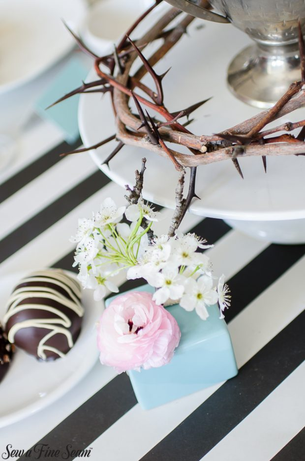 easter-tablescape-with-flowers-and-chocolates-8