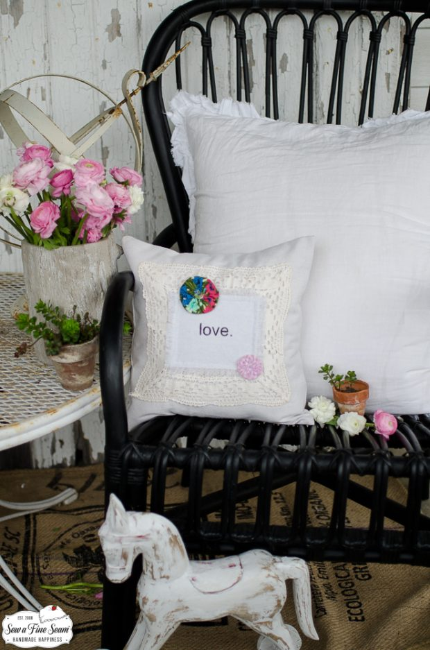 word-art-vintage-lace-pillows-love