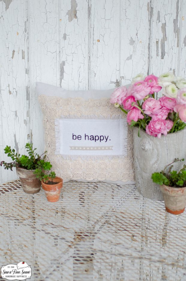 word-art-vintage-lace-pillows-be-happy