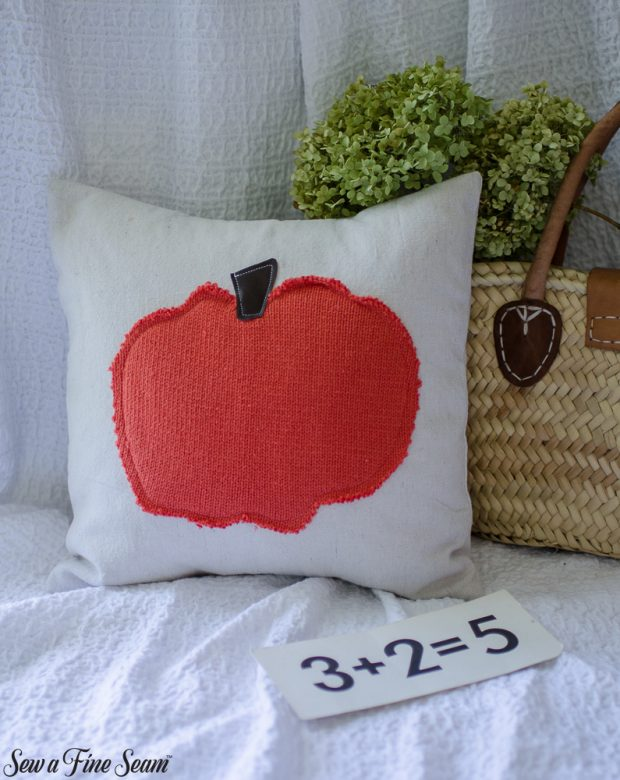 pumpkin-pillows-for-fall-11