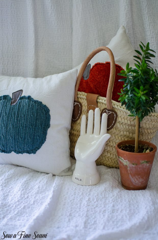 pumpkin-pillows-for-fall-13