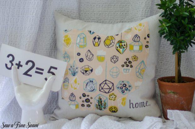 pumpkin-pillows-for-fall-3