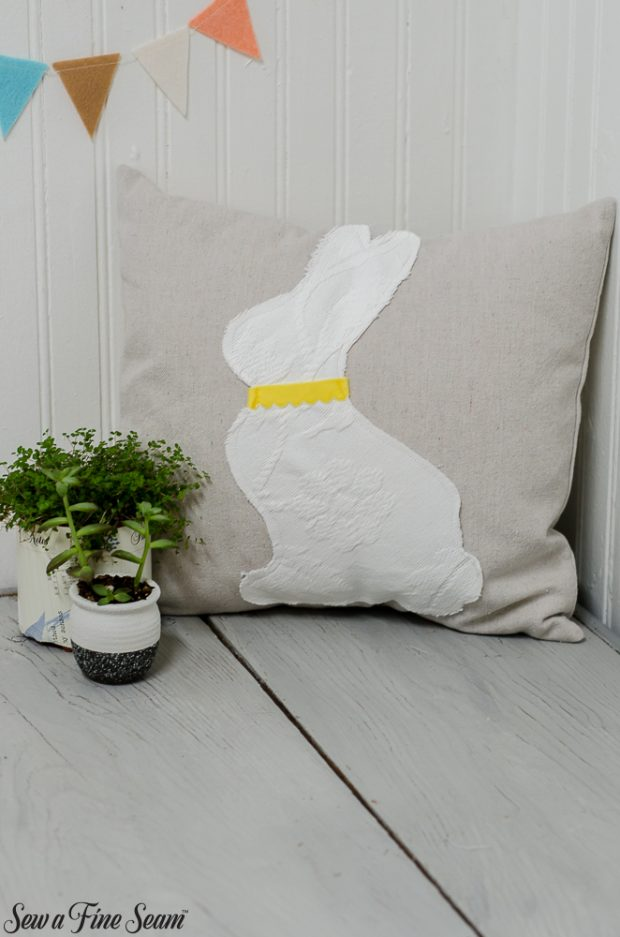 easter-pillows-19