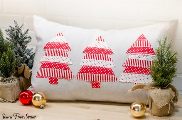 christmas-pillows-2018-black-friday-1
