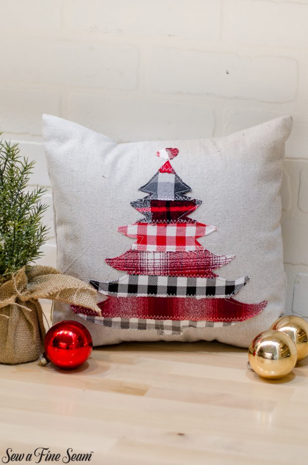 christmas-pillows-2018-black-friday-13