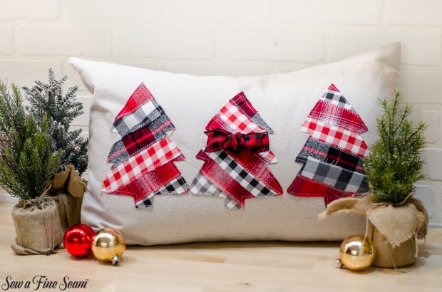 christmas-pillows-2018-black-friday-2