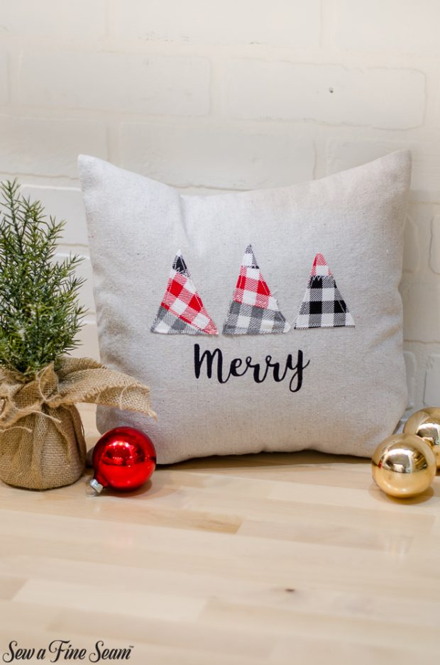 christmas-pillows-2018-black-friday-9