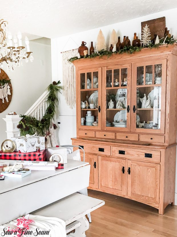 christmas-dining-hutch-2018
