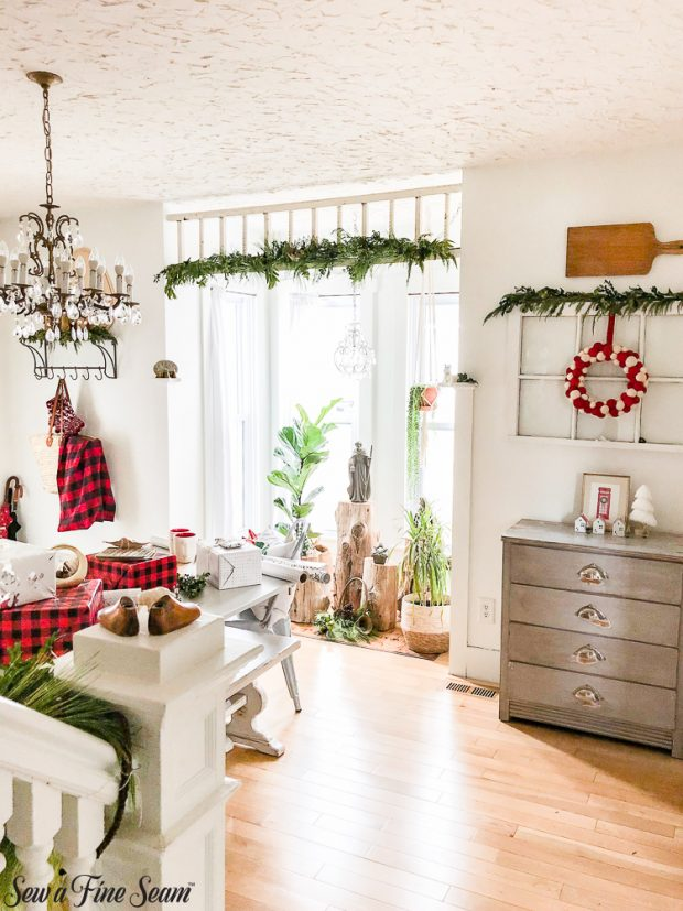 christmas-dining-nook-2018